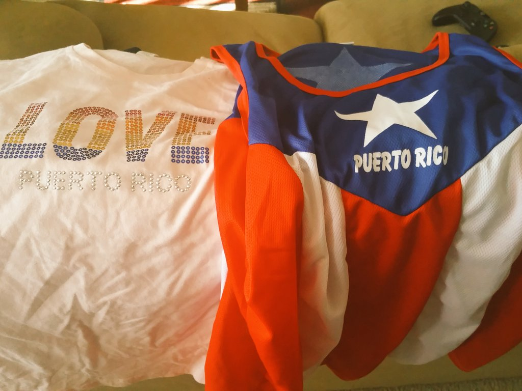 My sister in law, just came back from :) @PuertoRicoPUR ♡♡♡ https://t.co/zBMRr29zfs