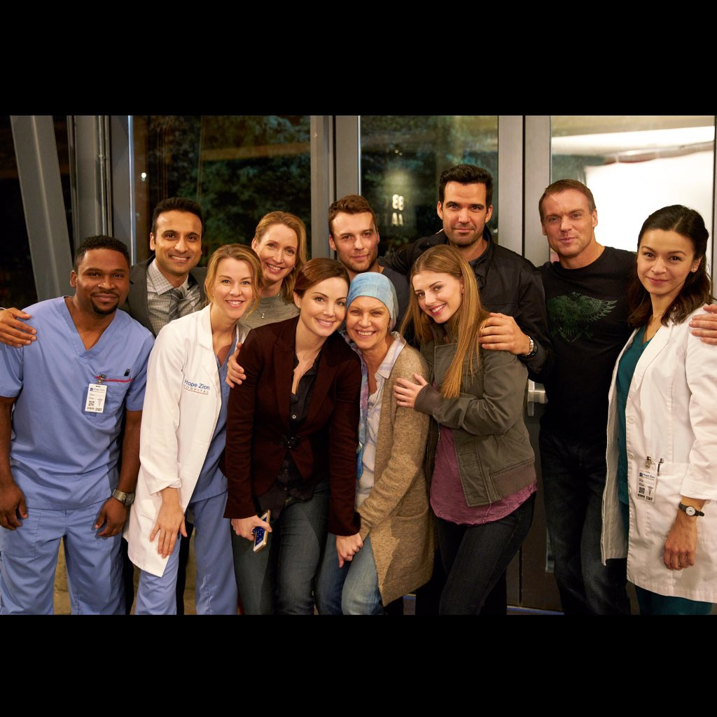What a season! #SavingHope #5ComingUp https://t.co/WcKYkz6NP5 https://t.co/HIFLTJ7J80