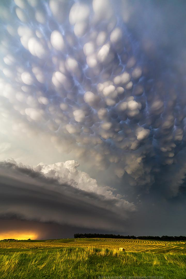 Mammatus clouds near Burwell, Nebraska | Photography by ©Ryan McGinnis https://t.co/0sKD5Ye48s