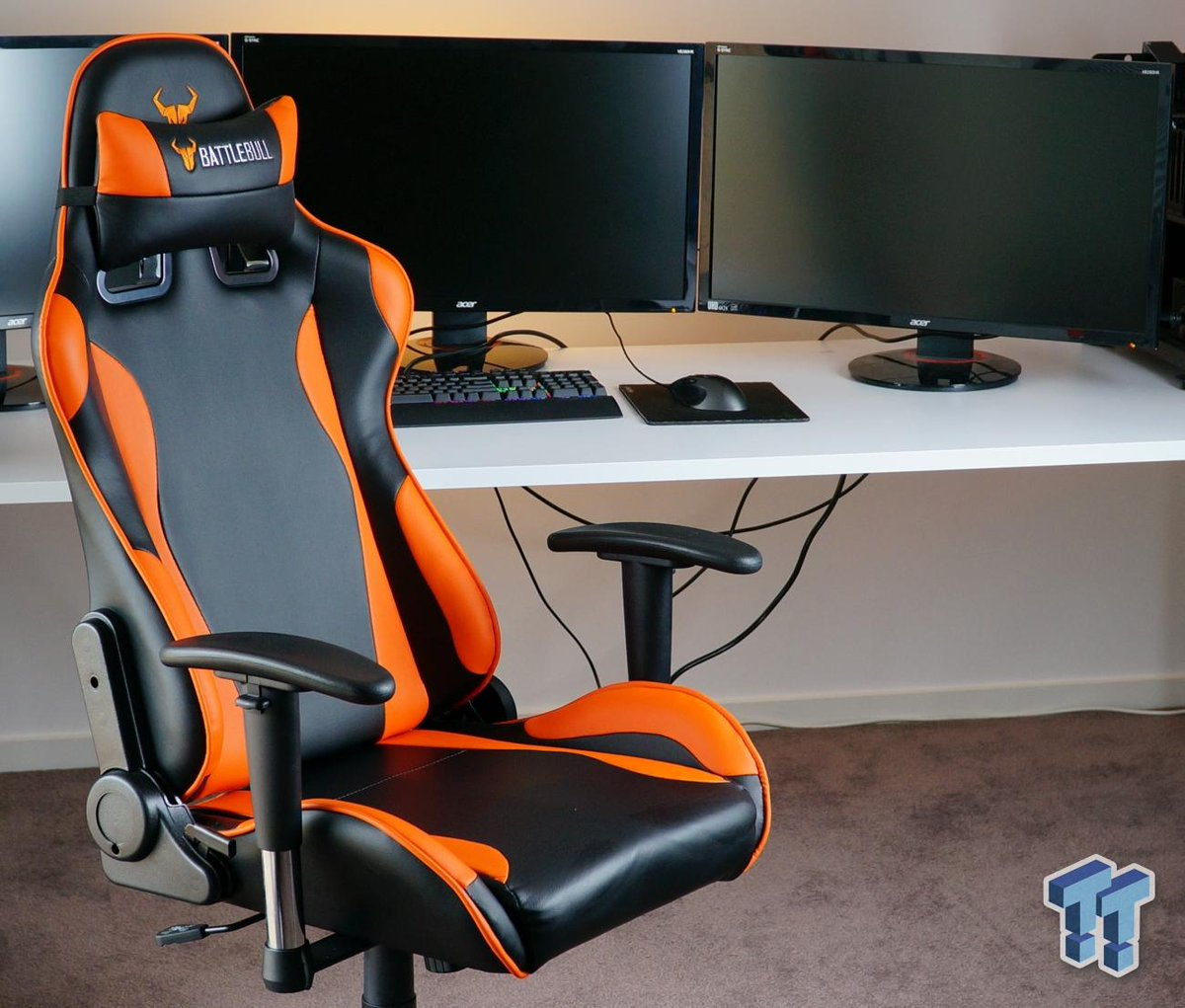 We take a look at the #Battlebull Combat Gaming Chair - super comfortable!  & We take a look at the #battlebull combat gaming chair - super ...