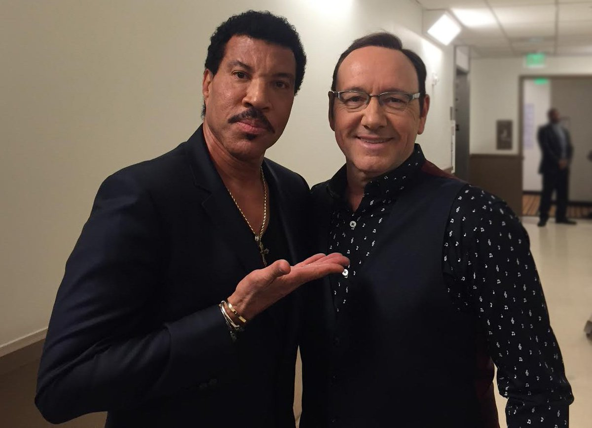 Thanks for including me in the celebration of your inspirational career & humanitarian work. Congrats @LionelRichie https://t.co/EmSuDUX231