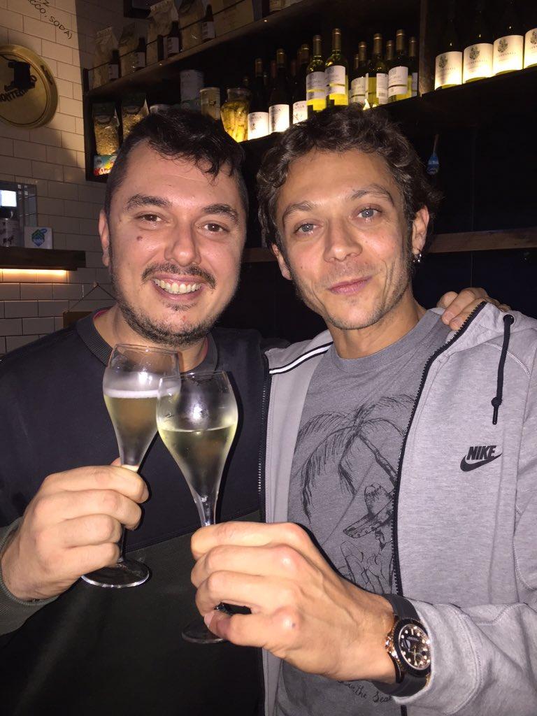 Buon compleanno Rossi! @ValeYellow46  #siamosempregiovani https://t.co/g55kMxAyEE