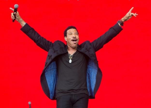.@LionelRichie talks about the importance of @MusiCares in the music community https://t.co/gzEf1F6DyK #GRAMMYs https://t.co/RA7SEFpBuo