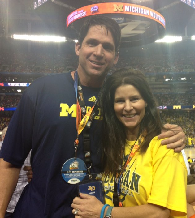 Few years back @LisaMcCaffrey6 & I went to the Final Four & chose to cheer for Michigan. Hope we kept those shirts! https://t.co/9hfKmqsWlu