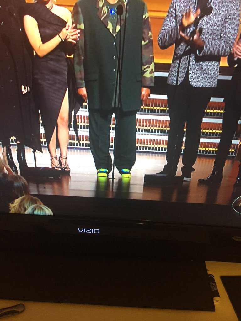 Why they put them feets on Stevie https://t.co/iwURT9NsP9
