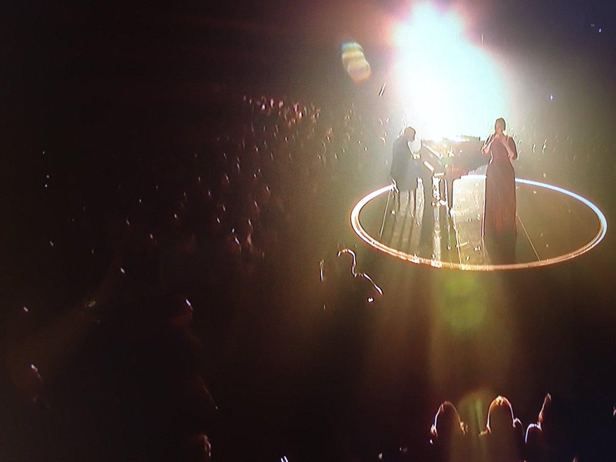 #FOMO... #Adele #GRAMMYs https://t.co/I9iGNwnVMo