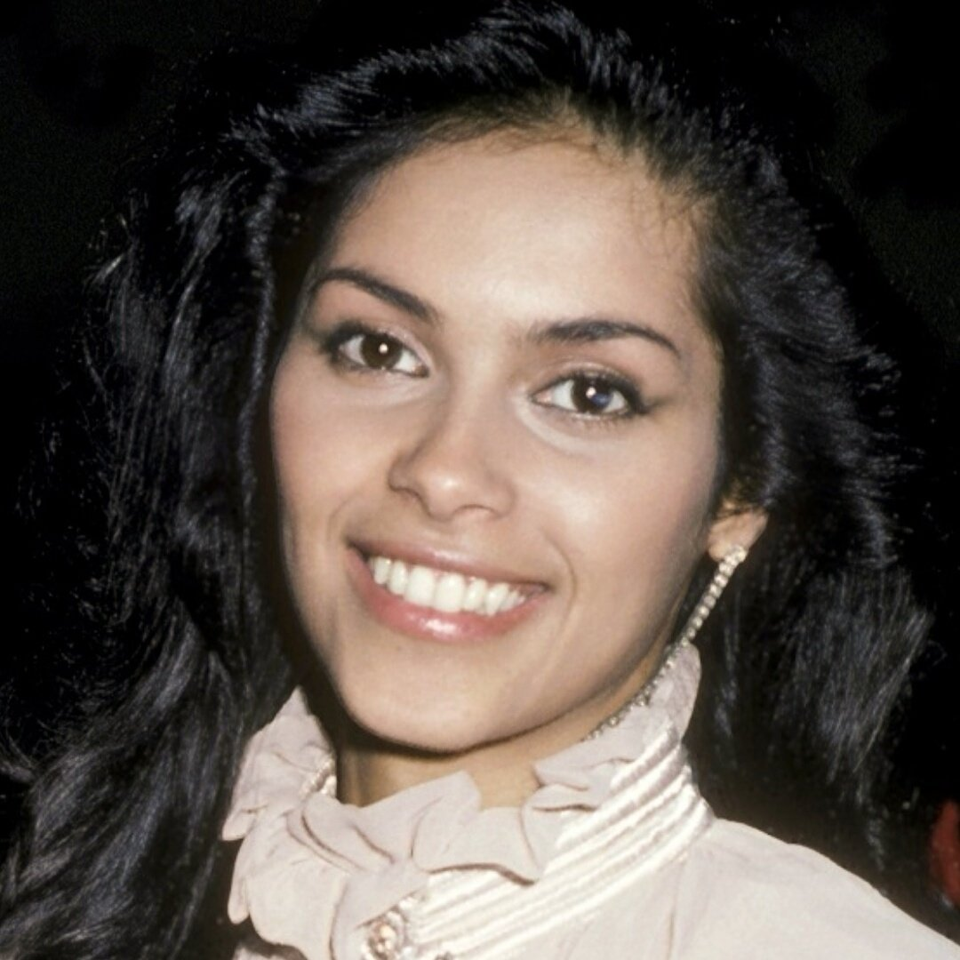 Bye bye beautiful star your love will forever shine in my heart ⭐❤⭐ #V #Denise #Beauty #Glowing #rip #thelastdragon https://t.co/tHrZXZMXVr