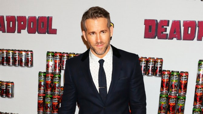 Ryan Reynolds (@VancityReynolds) is orbiting the Mars movie