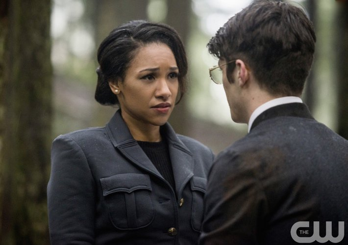 """""""You are my wife and I am not leaving your side..."""" @grantgust @candicekp @CW_TheFlash #TheFlash #Earth2 https://t.co/iGNJ1sPLtN"""