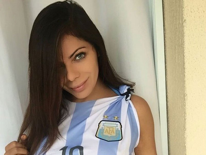 RT @ElDictamen: Suzy Cortez presume derriérre en apoyo a niño fan de Messi https://t.co/HDQokaprov #Espectáculos https://t.co/ITwrVH8PXB