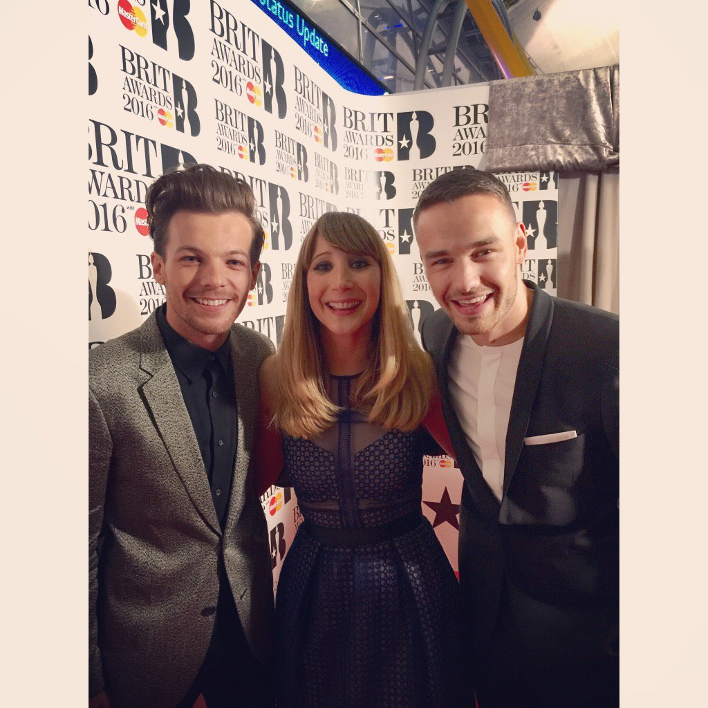 Gotta love a One Direction sandwich at the #BRITs2016 @Real_Liam_Payne @Louis_Tomlinson https://t.co/INhhTfdGZP