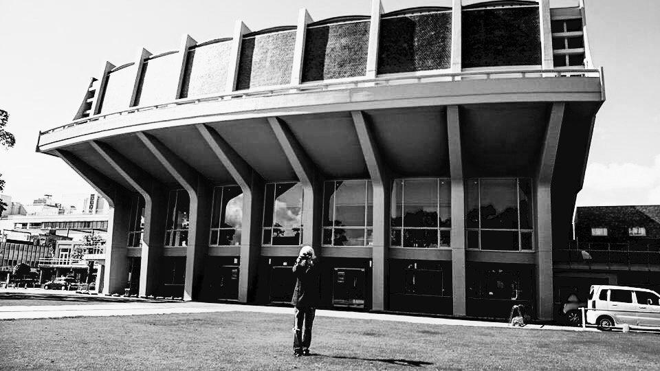 帰ってきた世にも不思議なコンサート 公会堂で逢いまSHOW! 2016年10月9日(日) 16時/17時〜 米子市公会堂 全席自由 2000円 出演 ナオユキ 踊ろうマチルダ ハッチハッチェルオーケストラ 濱口祐自  詳細は追って https://t.co/Pt0H9nLpIn