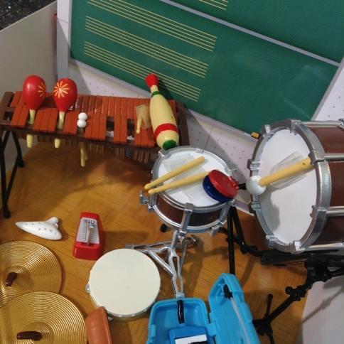 【Percussion City】スタッフが食玩を大人買いしました笑 「ぷちサンプルシリーズ みんなの音楽室」というシリーズのようです! どうやらマツコの番組で取り上げられていたらしいですね!! かわいい音楽室ができました^^* https://t.co/erjEIjukwF