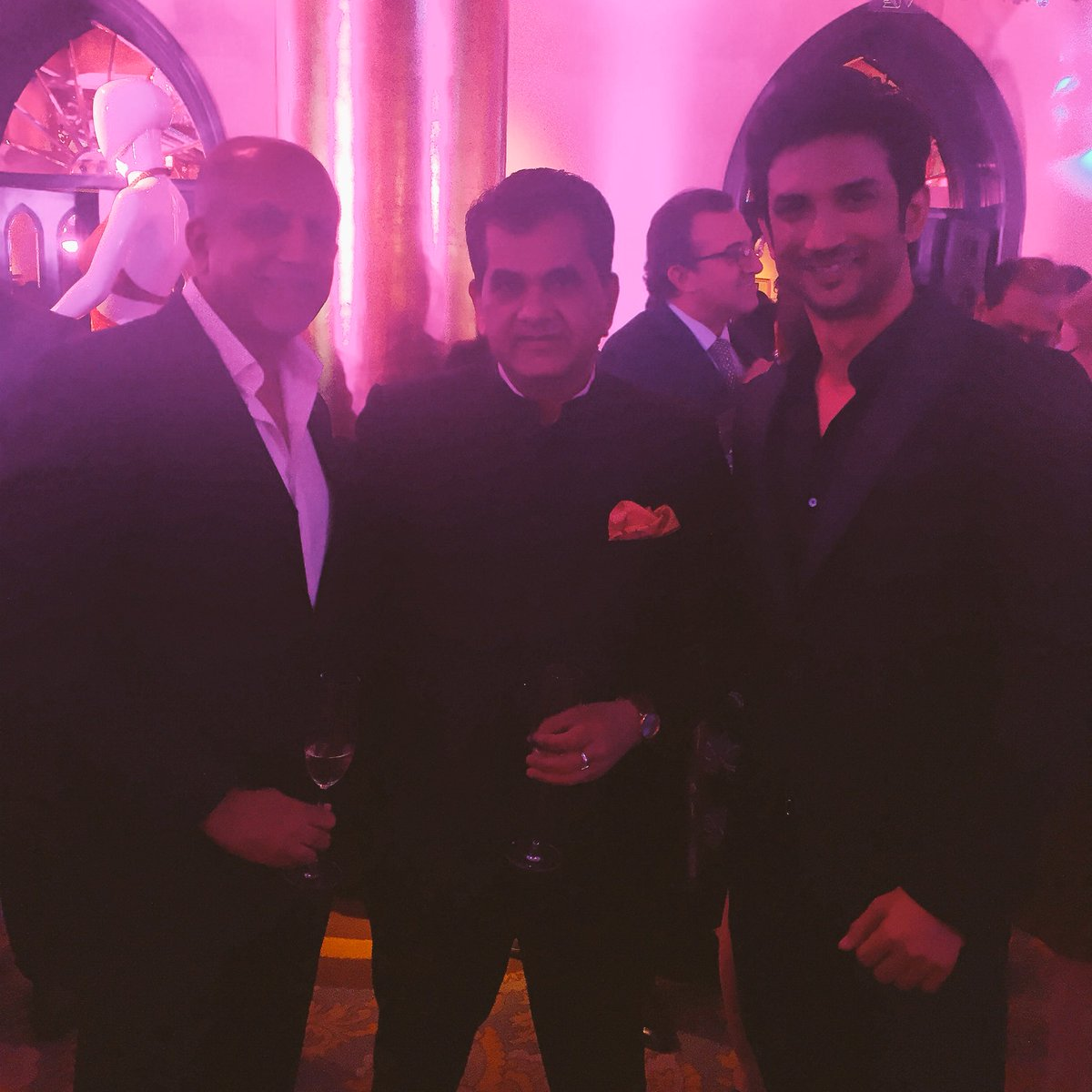 Vogue India's Alex Kuruvilla  with Amitabh Kant, Secretary(DIPP) and @itsSSR at the #MakeInIndiaMagazine launch. https://t.co/mxXUyEFK3T