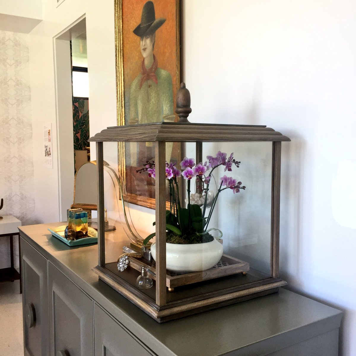 "@GlobalViews Looky see ""Vitrina"" in the @traditionalhome #christopherkennedycompound #modernismweek Showhouse!"