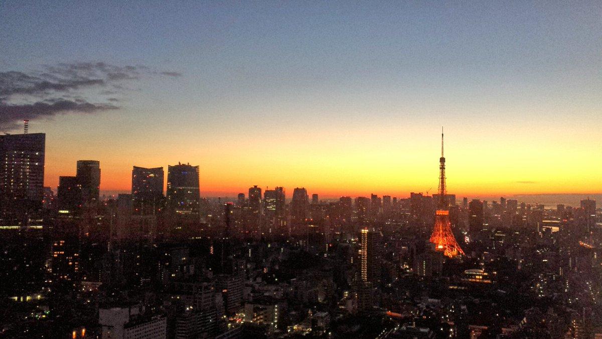 今日も素敵な夜明け(*˘︶˘*).。.:*♡ #jwave https://t.co/0jXwGxTXtq