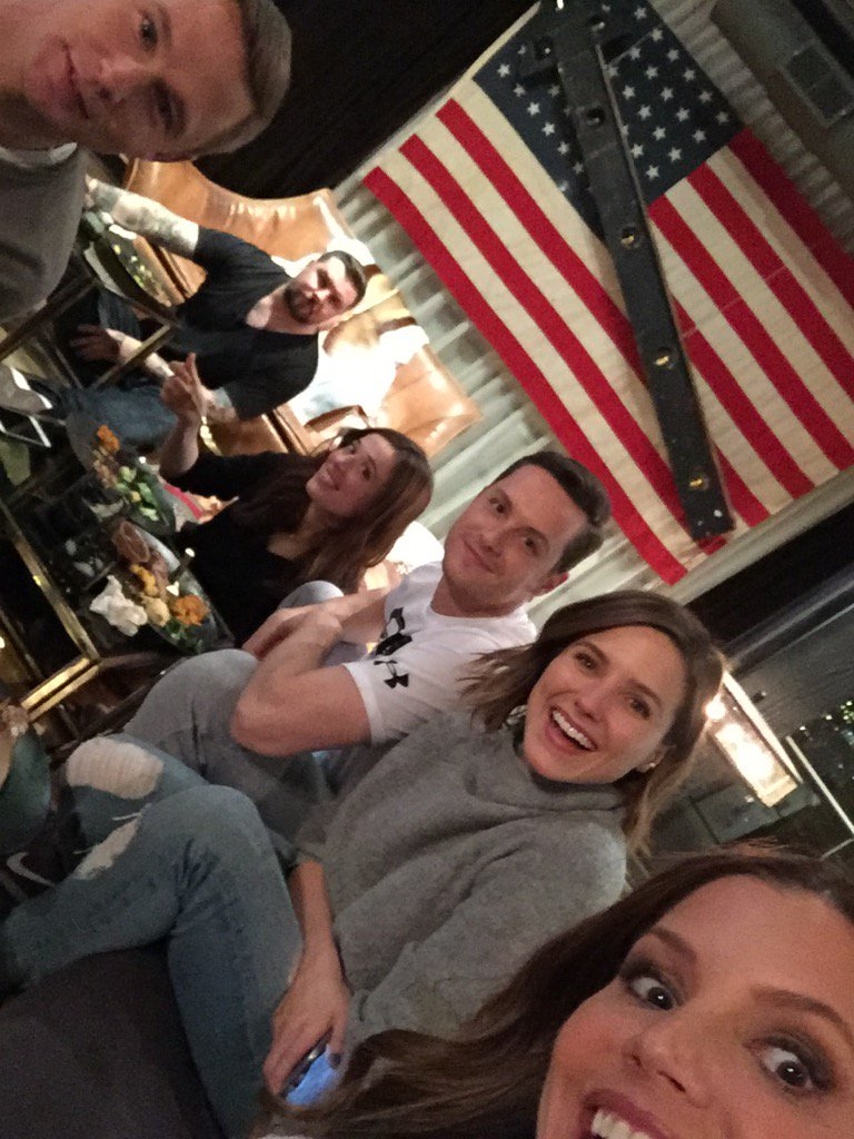 We're watchin @NBCChicagoPD RN. Question is, what r u doin'? @SophiaBush @jesseleesoffer @marinasqu #BrianGeraghty https://t.co/22W9DcwfxL