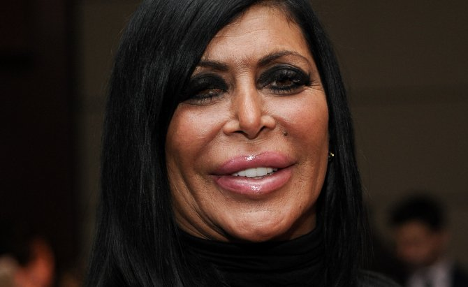 #BREAKING Reality TV star @BigAngOfficial has reportedly passed away after battle with breast cancer #Mobwives https://t.co/evFMiEyRsw