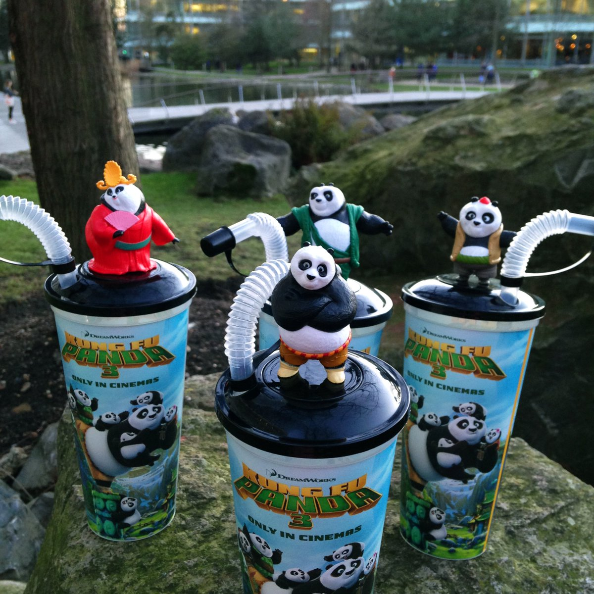 #Win this full set of #KungFuPanda3 cups & toppers! RT & Follow to enter