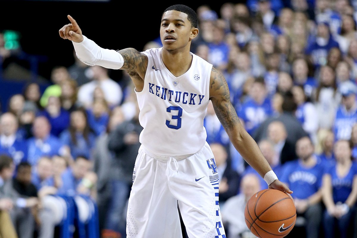 On Kentucky's Tyler Ulis, who knows size is a tiny thing when your best friend has one hand. https://t.co/G1rXmGGpiz https://t.co/0dFHMf4dG9