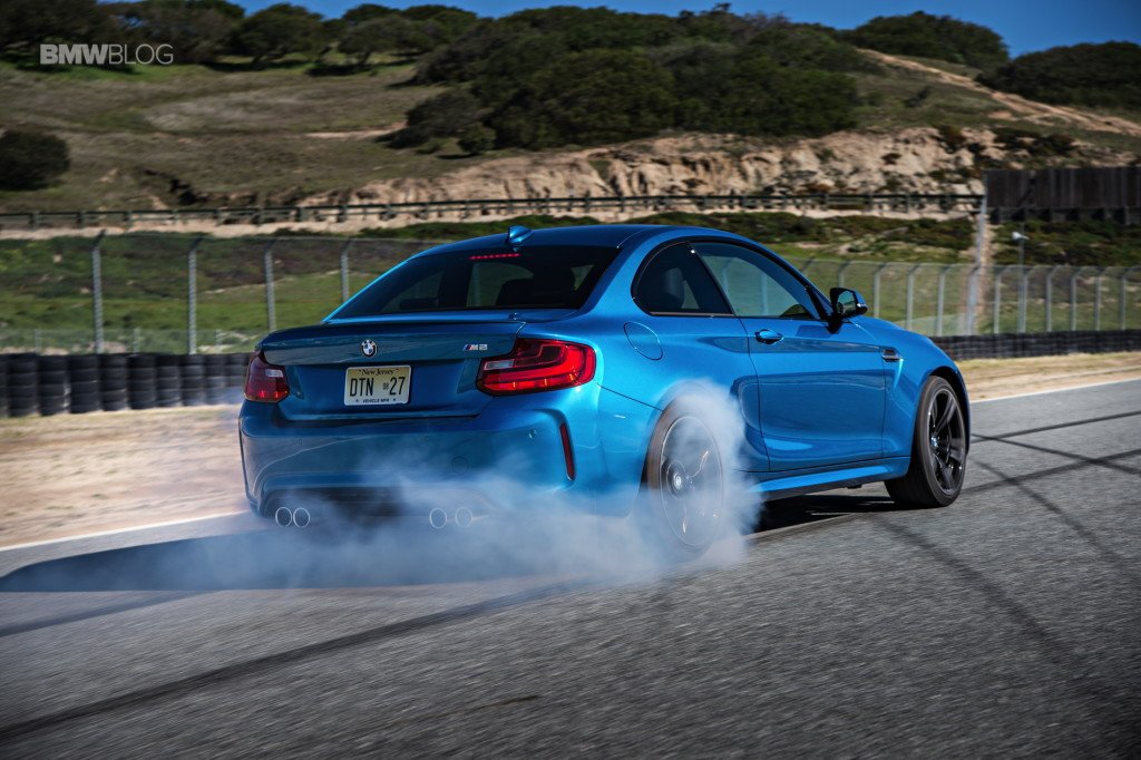 VIDEO GALLERY: BMW M2 at Laguna Seca and Big Sur - https://t.co/41EGiU8wmU #BMWM2 #BMWM2Videos https://t.co/XtIxo2OL3s