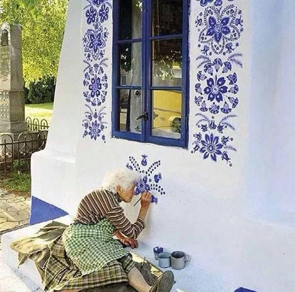 Painting the house...  #art #beautiful https://t.co/u8AtwScLG1