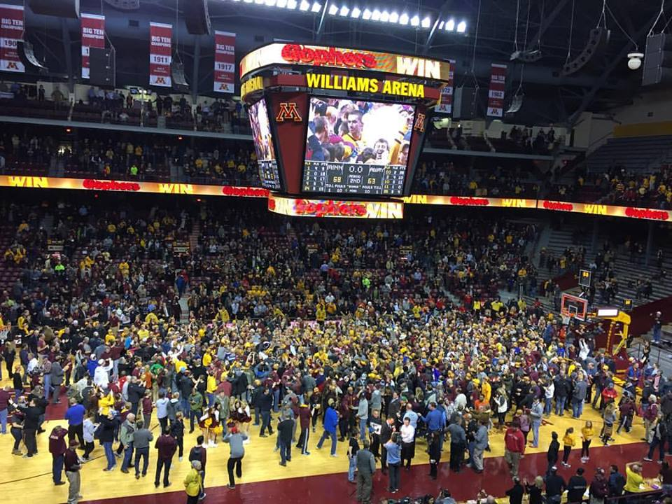 A thing of beauty! #Gophers only like to beat top 5 teams. #RushTheCourt  #B1G #Maryland https://t.co/y3srv2UjWi