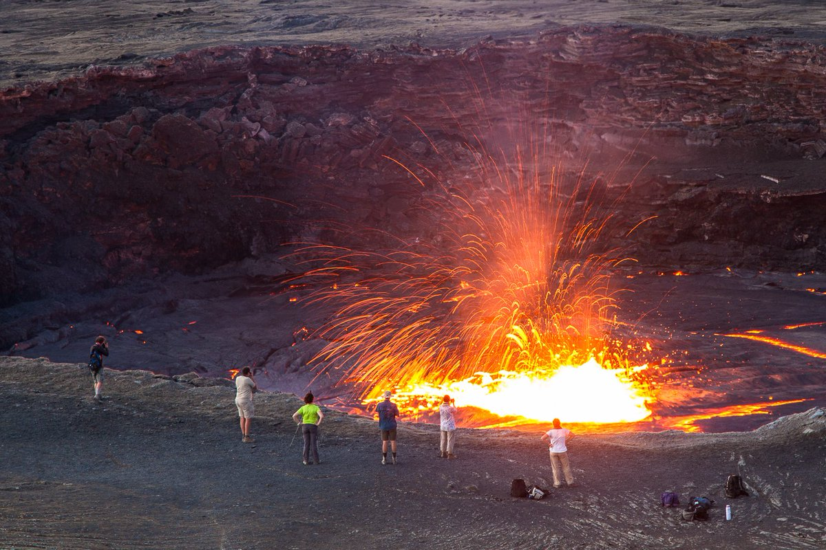 Who wouldn't want to visit the the oldest permanent lava lake on Earth? Amazing picture of Erta Ale by @VeiledWorld. https://t.co/i360cMXJda