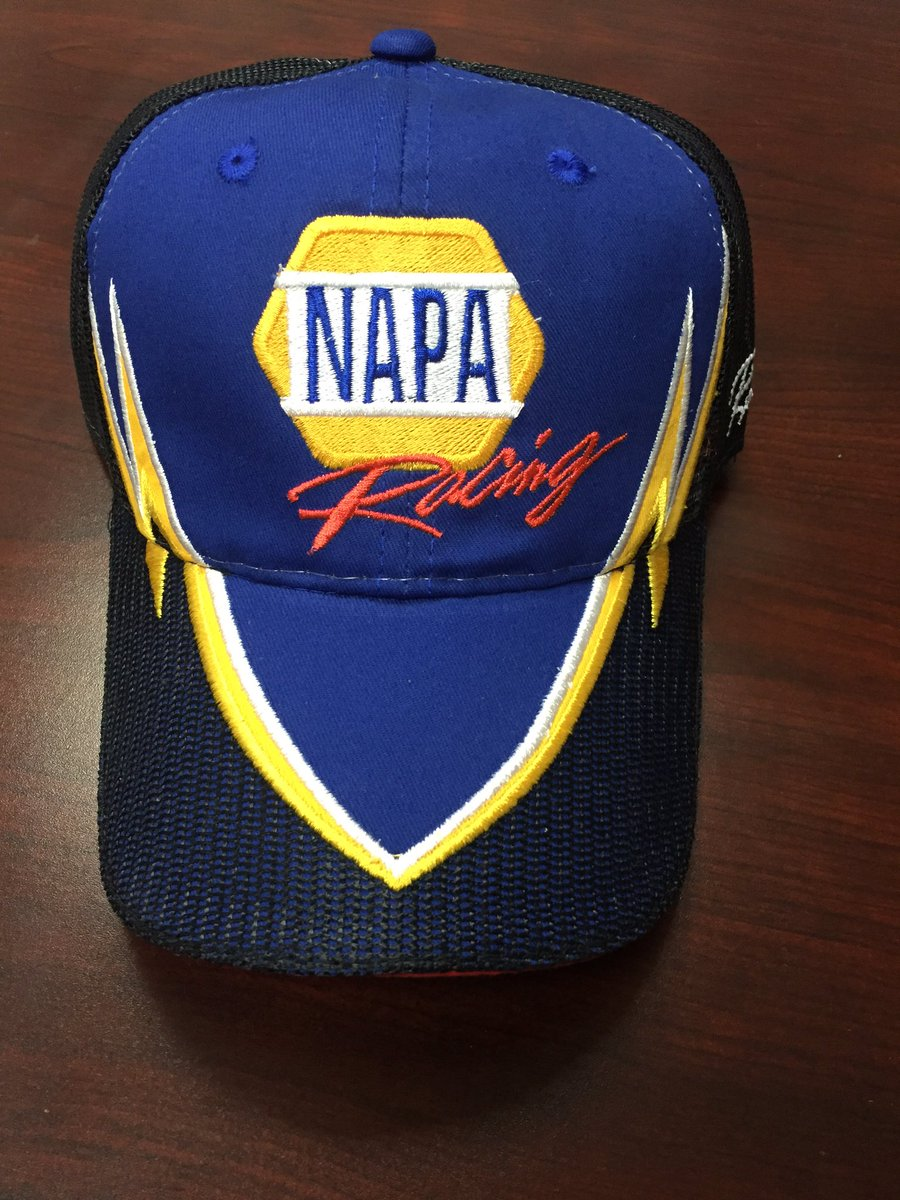 In honor of @RonCapps28 win at Pomona, our #FreebieFriday giveaway is this @NAPARacing hat! RT to win! #NHRA https://t.co/xed1i8M8zD