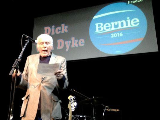 TV star Dick Van Dyke, 90, emcees @BernieSanders rally at Reno, Nev., nightspot. https://t.co/neZtUJ7kLl (via @rgj) https://t.co/Slyn5U6ggu