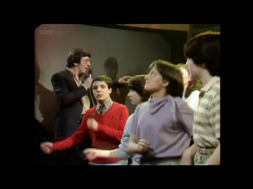 Guy in the red jumper won 1981. #TOTP https://t.co/6oWURBKQSD