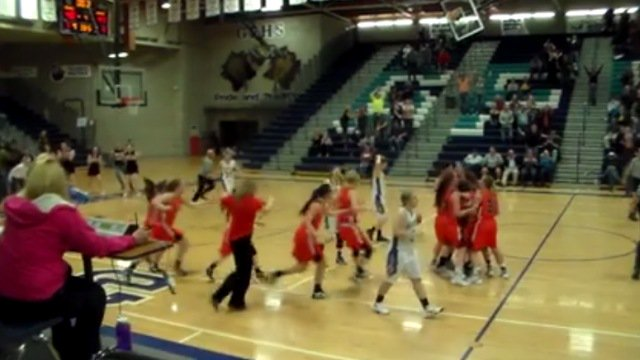 Miners beat Rivals with buzzer-beater (video): https://t.co/6E3yCxUUKu https://t.co/t8XkRGkpAd