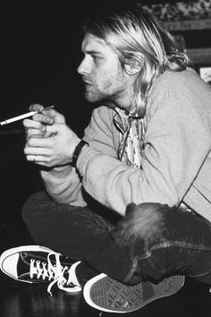 Happy birthday Kurt Cobain . Thanks for your arts to the world . You will never be forget