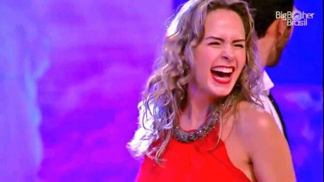 Ana Paula sou eu na balada por motivos de APROVEITA COMO SE NÃO HOUVESSE O AMANHÃ! #BBB16 https://t.co/2aPDTW74t1