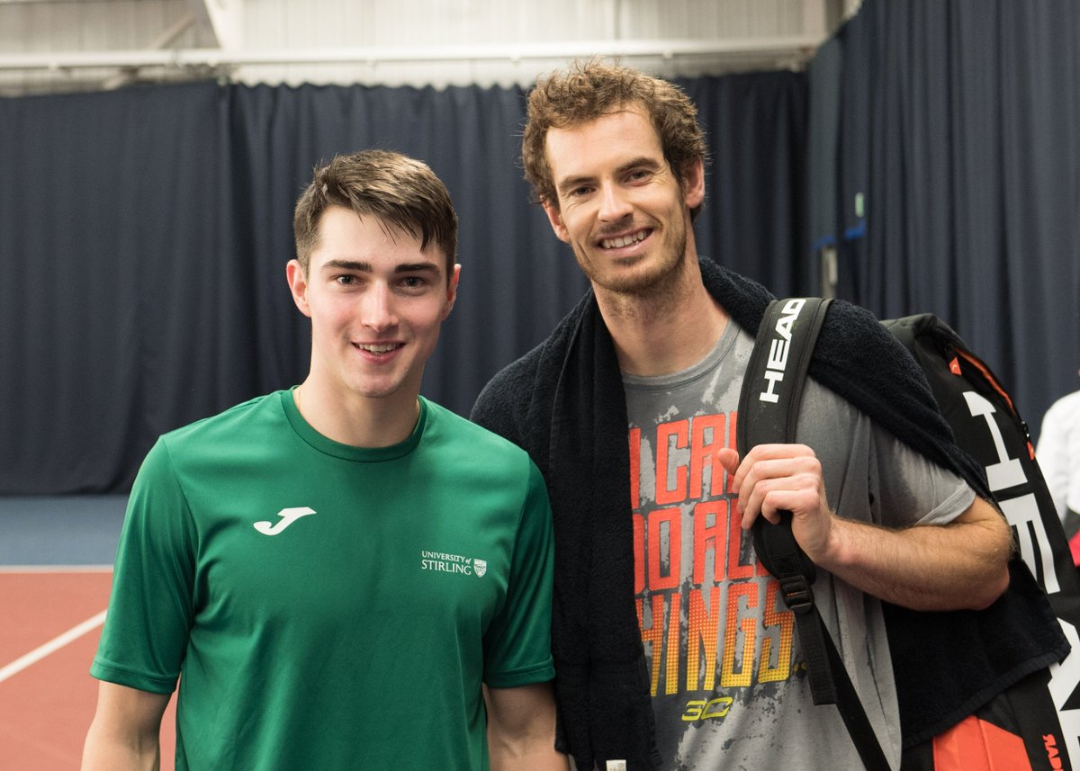 Mr @andy_murray dropped by yesterday, training with our tennis scholars. Nice to see you and @judmoo, Andy! https://t.co/yyDkqEGUaG