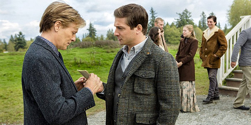 Daniel Lissing talks #WhenCallsTheHeart https://t.co/ImCtSHGUXe #Hearties @DLissing https://t.co/yQTcQIwMvR