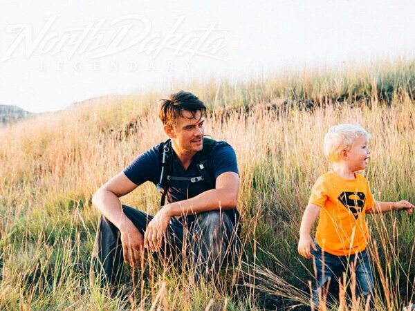 RT @joshduhamel: Got to travel around North Dakota with my son for work and we had no fun at all. https://t.co/R45zGEPpjg