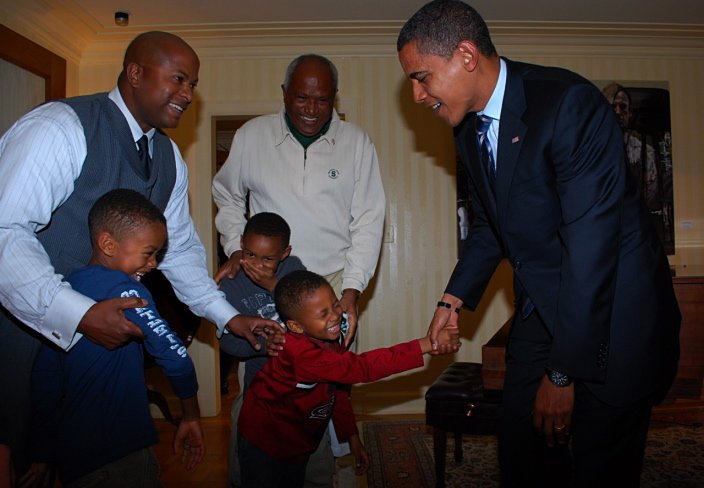 My favorite #ObamaAndKids photo https://t.co/dIY2ISl9mw