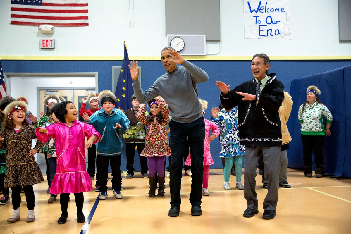Two adorable @petesouza shots: #ObamaAndKids performing a cultural dance at Dillingham Middle School in Alaska. https://t.co/RsdBWTkzuL