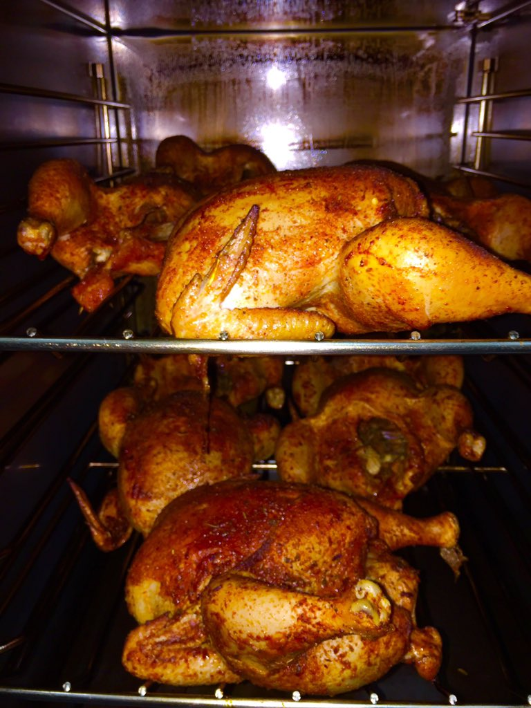#hoochiecoochie roasted chicken... #justputitinyourmouth https://t.co/pCc8HNWQpF
