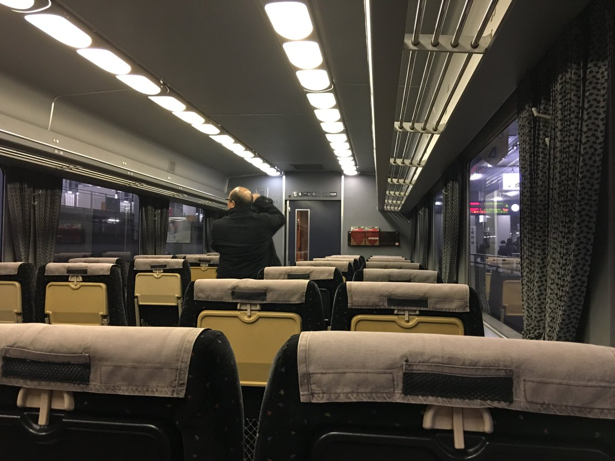 九州新幹線が止まってるので臨時の特急とやらに乗る。 https://t.co/QvC1GCVUmh
