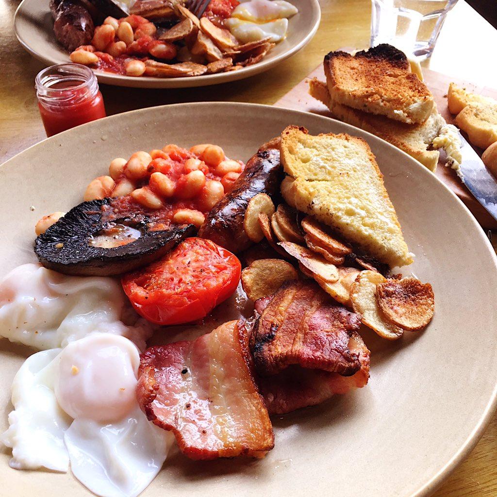English breakfast for English (Sheffield) lunch? Why, don't mind if I do... @CraftDough_Eccy #GoodToBeBack ☀️ https://t.co/BBktALDFVi