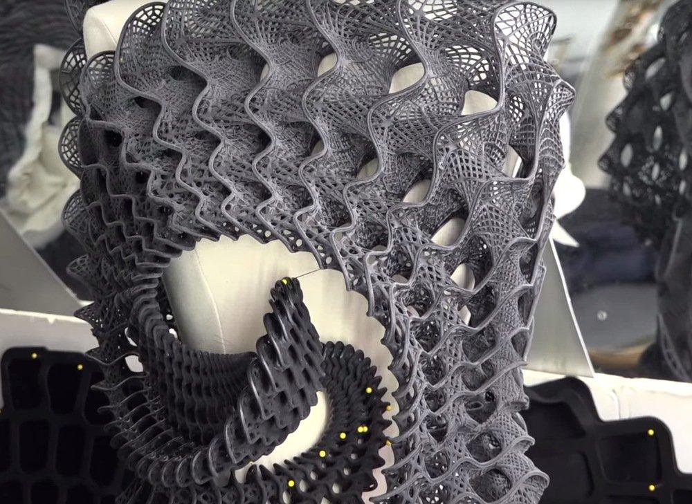 Stratasys Attempts A Breakthrough In 3D Printed Fashion https://t.co/K5DFhqiYLC #3DPrinting https://t.co/YjNQKGjOPr