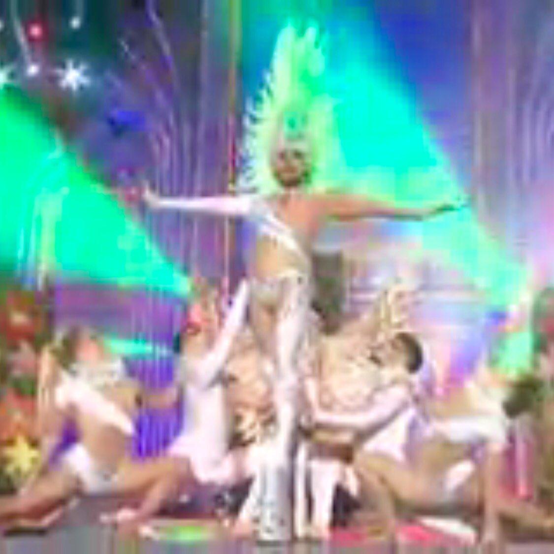 Drag AURUM en la #GalaDragLPGC representando a @TurismoArona y @GrupoElCine @FiestasArona https://t.co/dGqMLkjToO