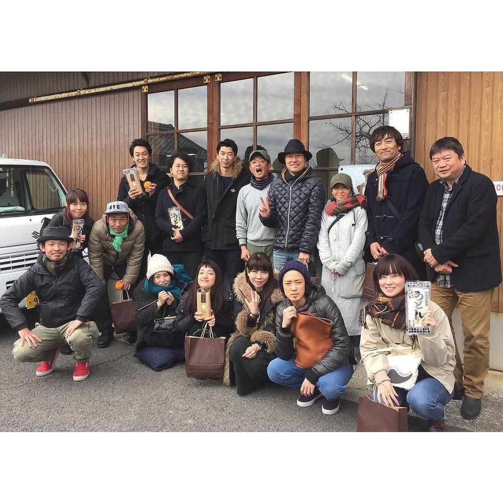 なんと、さぬき映画祭が昨日終わったばかりの本広監督、トータス松本さん、入山法子さんなど映画祭関係者ご一行さまが突然遊びに来られました。突然だったので島の助っ人たちにもお願いし何とか色々ご案内できました〜。ありがとうございます❗️ https://t.co/1yo2Kwy04l