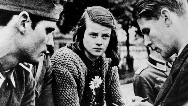 'Stand up for what you believe in, even if you are standing alone' - Sophie Scholl, guillotined OTD in 1943. https://t.co/qNOqLyLDvr