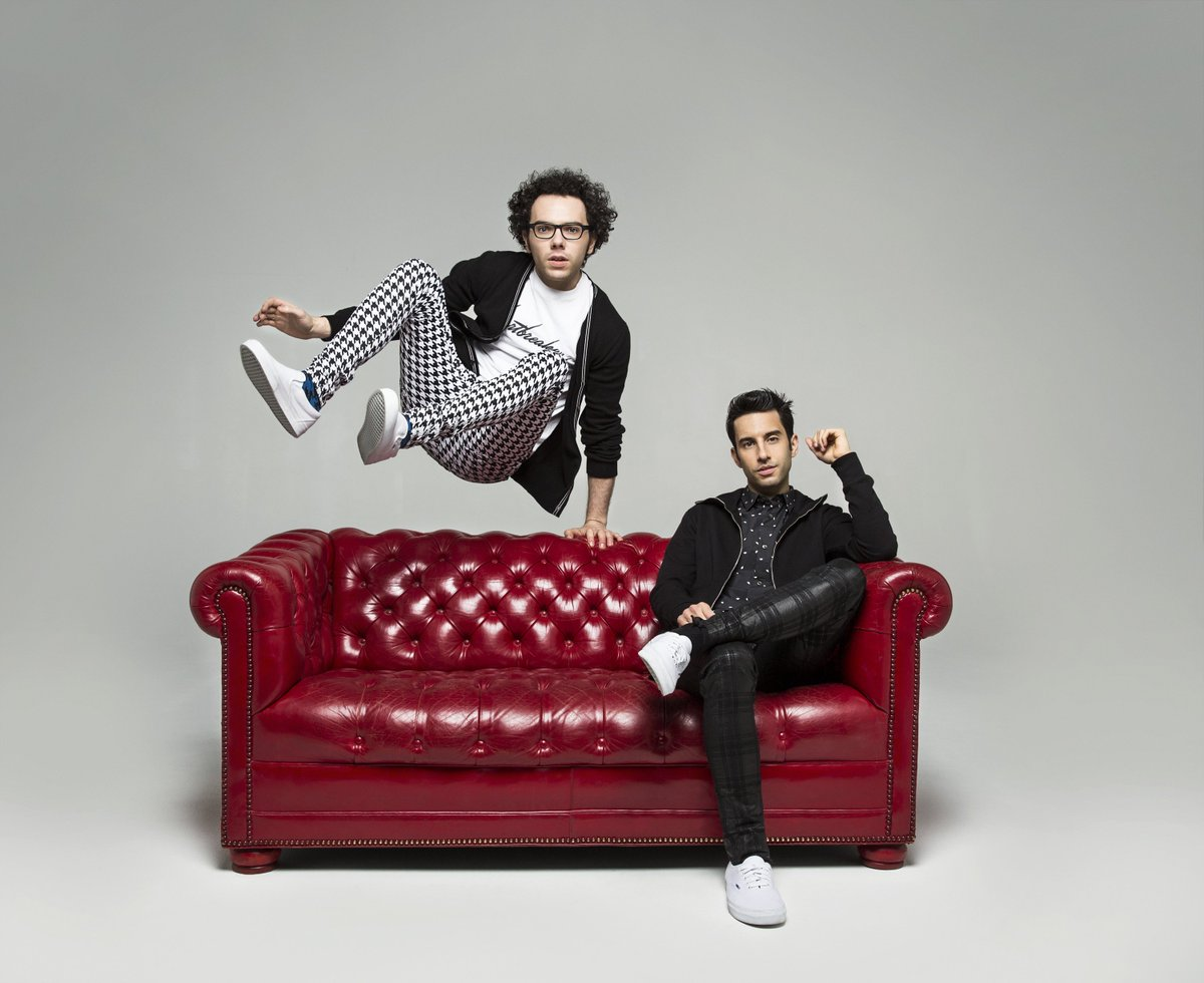 Last chance for #FreeTixTuesday! RT for a chance to win tix to  @AGreatBigWorld on 3/11! https://t.co/4Mz3ChPJjC