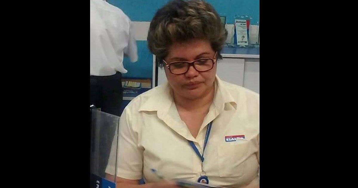 RT @bol: Crise: Dilma é vista trabalhando nas Casas Bahia https://t.co/AUeTIeeWvV #Humor https://t.co/Ym5PbROReB