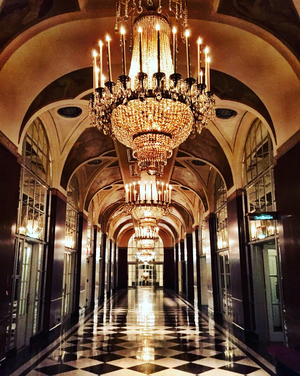 Touring the @WaldorfNYC and the incredible Hall of Mirrors, inspired by Versailles #NYC #WaldorfMoment https://t.co/ybe2EaVEDY