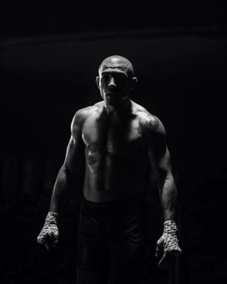 TE ESPERO NO #UFC200, @TheNotoriousMMA! SEU SONHO DE CINDERELA ACABOU HJ, AGORA N TEM MAIS COMO CORRER DA REVANCHE! https://t.co/UOSG4yl58I